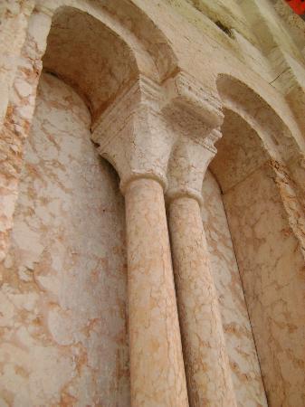 Basilica di San Zeno Maggiore: bifore dopo il restauro