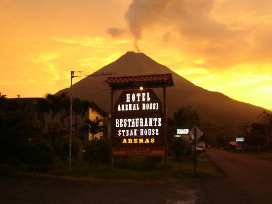 Hotel Arenal Rossi: Rotulo co el Volcan