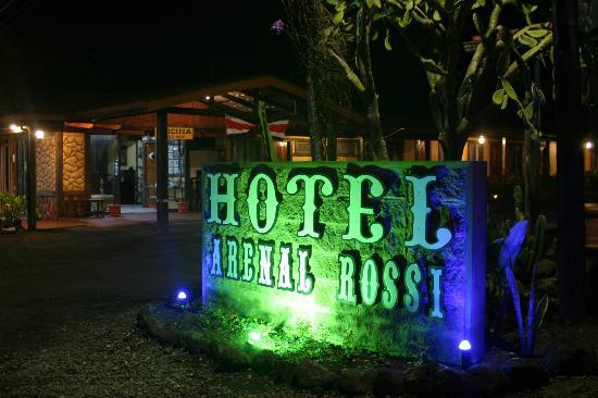 Hotel Arenal Rossi: Rotulo de noche
