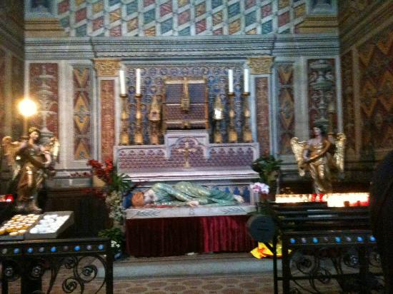 Ophorus Toulouse Sightseeing Day Tours: Altar of St Cecelia