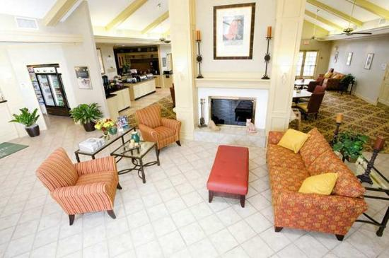 Hawthorn Suites By Wyndham Jacksonville: Lobby