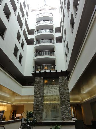 Sheraton Columbia Town Center Hotel: the lobby