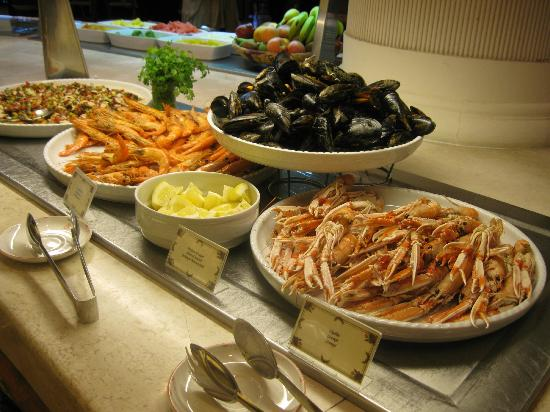 Gran Hotel Atlantis Bahia Real: Quelques-uns des fruits de mer au buffet