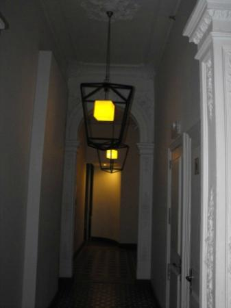 Hotel Praktik Rambla: Corredor de acesso aos quartos