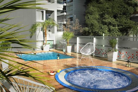 BA Sohotel: Piscina Climatizada en Área de Relax