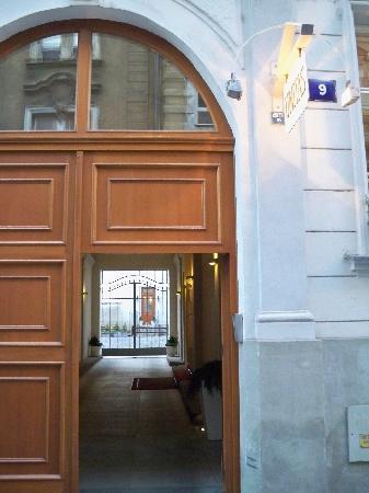 Unitas Hotel: entryway