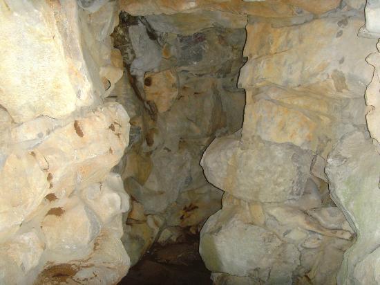 Xishi Cave: Eingang zur Xishi - Fan Li Gedenkhoehle