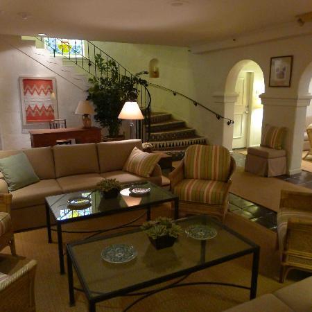 La Playa Carmel: The Lobby