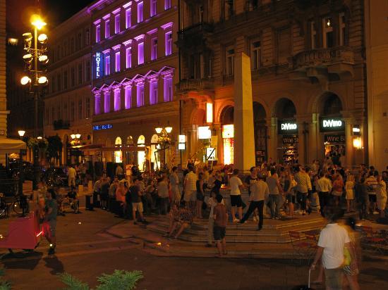 Hotel Central Basilica: s 'avonds