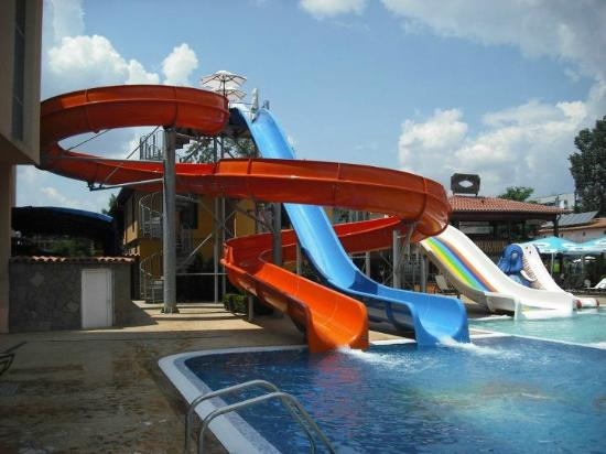 Tiara Beach: Kids (or adults lol ) slides