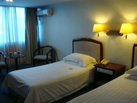 Red Coral Hotel: room