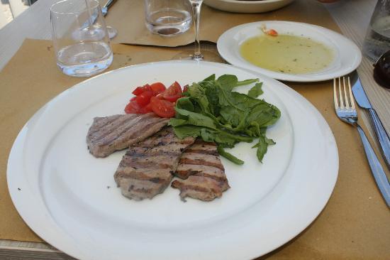 Ristorante La Taverna: Grilled Tuna