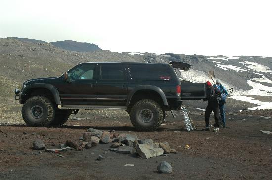 Volcano Hotel: The super jeep