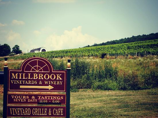 ‪Millbrook Vineyards & Winery‬
