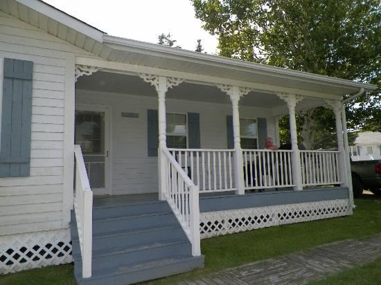 Kindred Spirits Country Inn & Cottages: Deck with Barbecue