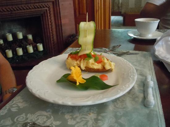 Cornerstone Victorian Bed & Breakfast: Potato Boat