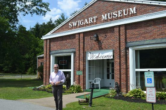 Swigart Auto Museum: Exterior View of Swigart Museum on Rt. 22, Huntingdon, PA