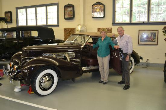 Swigart Auto Museum: Enjoying a 1937 Cord