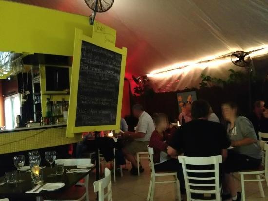 Fratelli on Trinity : Inside the restaurant