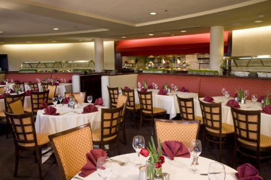 Doral Arrowwood: Atrium Buffet No People
