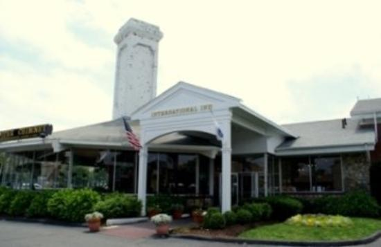 International Inn and Suites on Cape Cod: Exterior