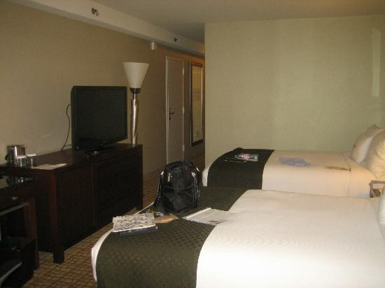 Doubletree Hotel Bethesda: View 2 of room
