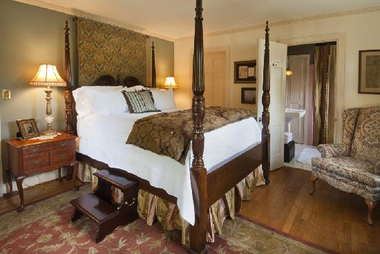 The Speckled Trout Bed and Breakfast: The Quill Gordon Room