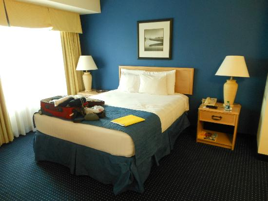 Residence Inn Jacksonville Airport: Nice room JUN2012