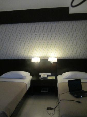Smallville 21 Hotel: modern interior