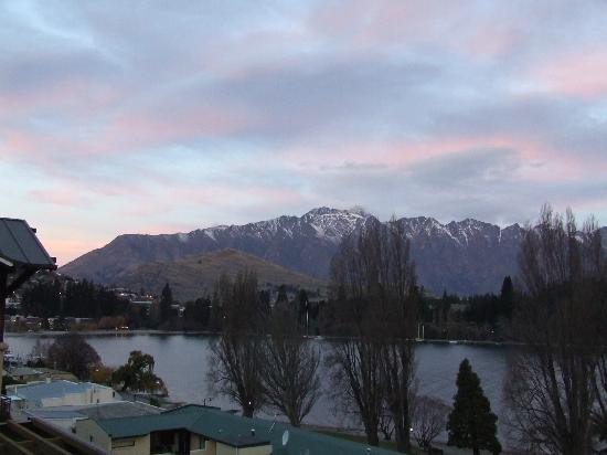 Peppers Beacon Queenstown: View from balcony