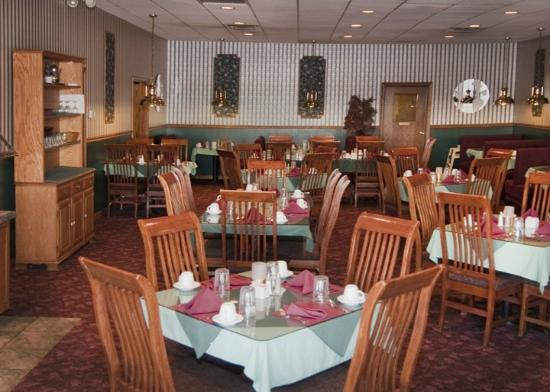 Caribou Inn & Convention Center: Greenhouse Restaurant