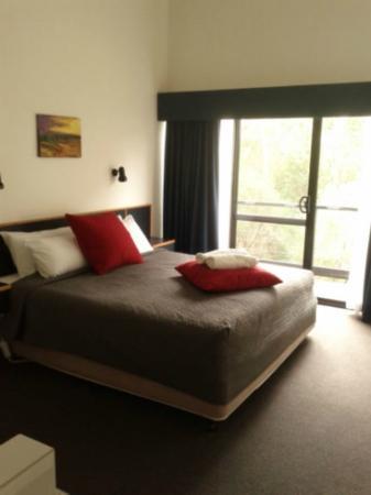 โรงแรมมากาเรตส์ ฟอเรสท์: Sleeping area upstairs