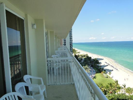 Ramada Plaza By Wyndham Marco Polo Beach Resort Balcony Area