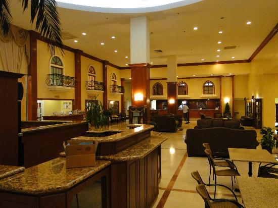 Ramada Plaza Marco Polo Beach Resort: lobby