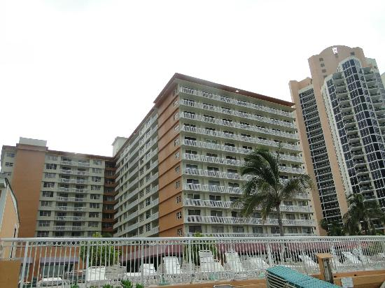 Ramada Plaza Marco Polo Beach Resort: hotel