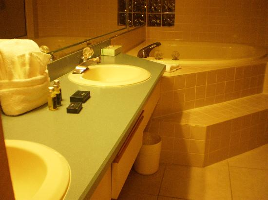 Legacy Vacation Resorts-Palm Coast: Bathroom
