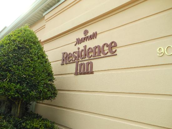 Residence Inn Charleston Downtown/Riverview: Entrane sign JUN2012
