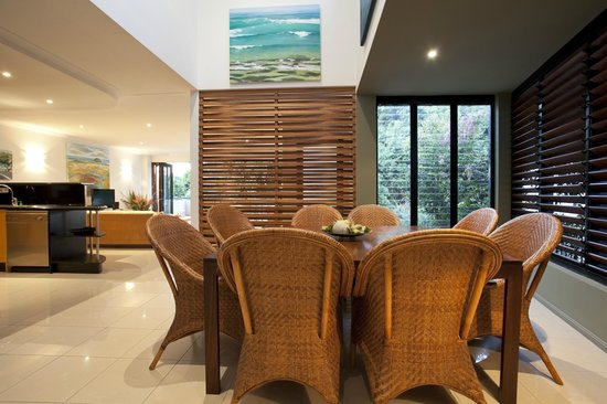 Papillon Coolum: Villa 7 Dining interiors
