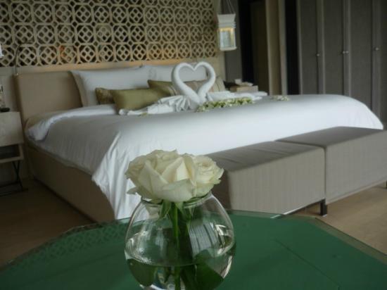 Katathani Phuket Beach Resort: A romantic setting at the Shores