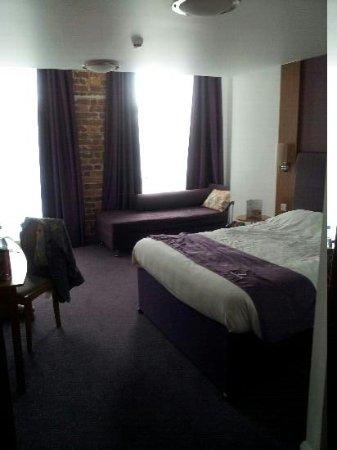 Premier Inn Kidderminster Hotel: Room 25