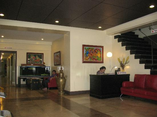 The Royale House Travel Inn and Suites: reception