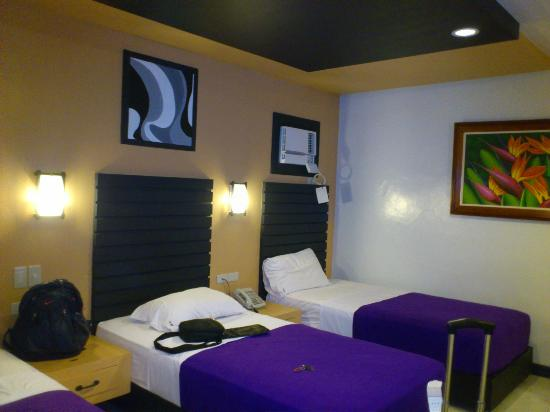 The Royale House Travel Inn and Suites: room