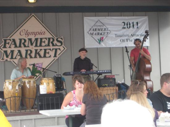 Farmers Market: Music for the shoppers