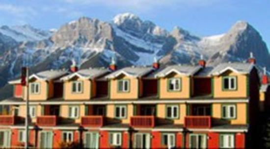 Canadian Rockies Chalets : Exterior