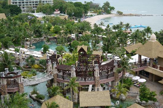 Centara Grand Mirage Beach Resort Pattaya Pools