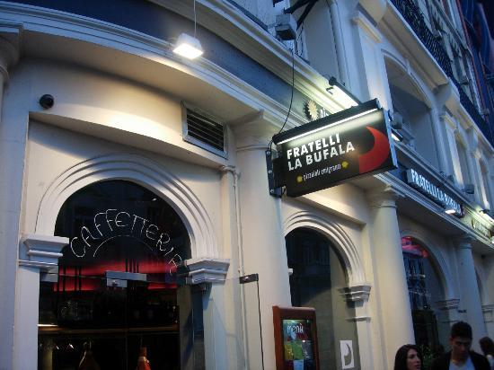 Fratelli La Bufala: insegna locale venendo da Piccadilly lato destro della via