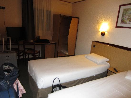 Campanile Argenteuil : slaapkamer