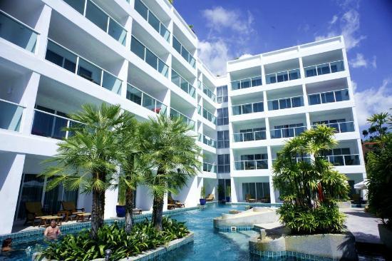 Chanalai Romantica Resort : BUILDING
