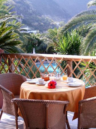 Semiramis Hotel de Charme Ischia: Terrazzo-sala-colazioni
