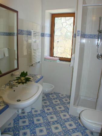 Semiramis Hotel de Charme Ischia: Camera-vista-mare-bagno